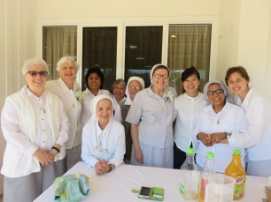 Sisters gather together with Srs Rita, Lucy and Ersilia to celebrate their 50th anniversary of Religious Life, 2017