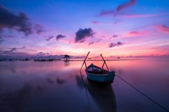 beach-boat-colorful-33545